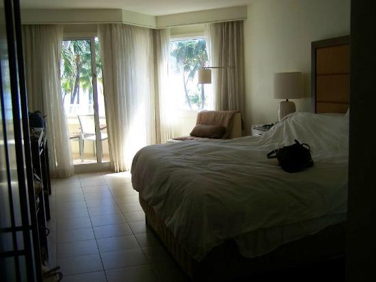 Casa Marina, A Waldorf Astoria Resort: Spacious ocean view w/balcony!