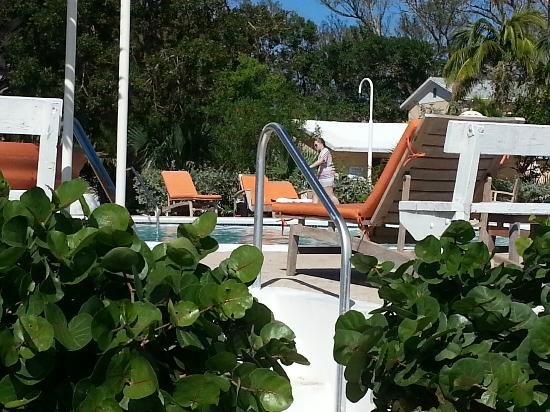 Abaco Beach Resort and Boat Harbour Marina: Large pool side