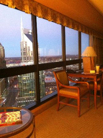 Renaissance Nashville Hotel: Guest room (upgraded room)