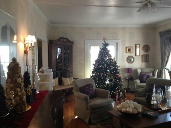 An Inn on the Ocean: Living room at Christmas