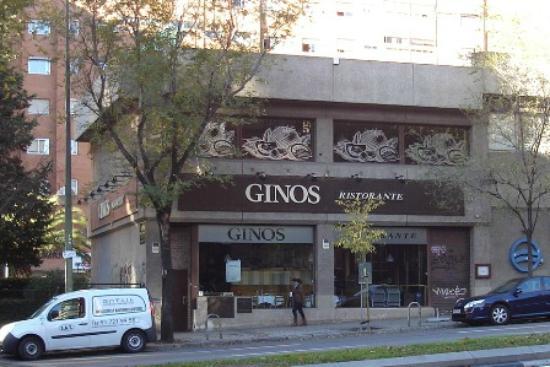 Ginos : Gino's on Calle del Doctor Esquerdo