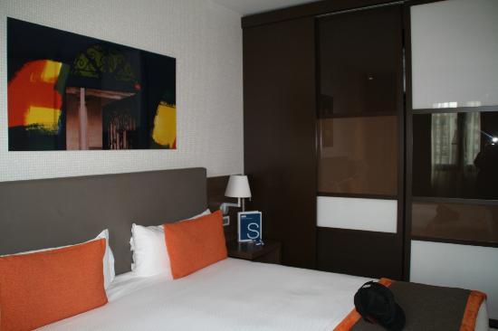 H10 Roma Citta : Our Room [Wardrobe]