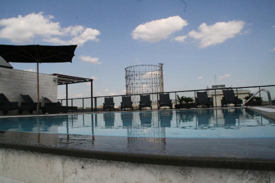 H10 Roma Citta: Pool