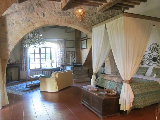 Pieve di Caminino Historic Farm: Our room: Foresteria