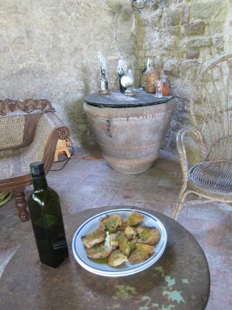 Pieve di Caminino Historic Farm: Pieve di Caminino's fresh olive oil