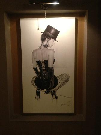 Hotel de Vie: Bar artwork