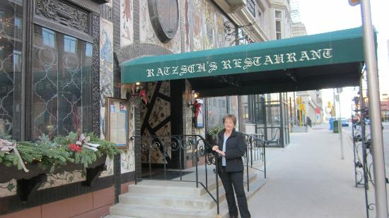 Karl Ratzsch Restaurant: Located in downtown Milwaukee