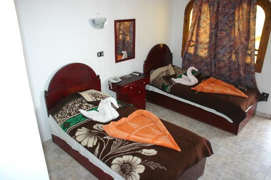 Yasmina Hotel: Room