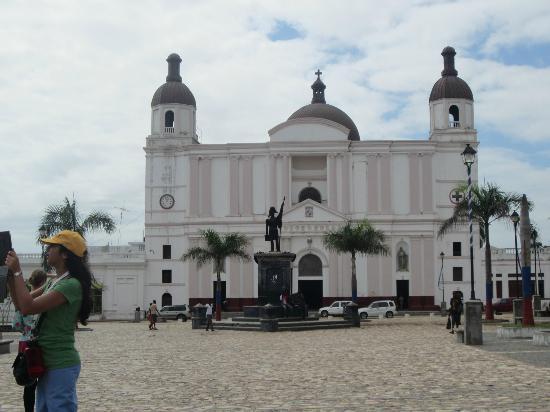 Cathedrale Notre Dame de Cap Haitien : Exterior