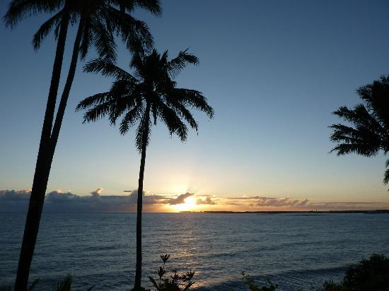 Hale Kai Hawaii Bed & Breakfast: Beautiful sunrise