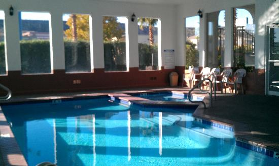 St. George Inn & Suites : Indoor pool