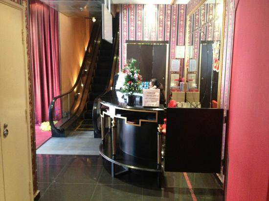 Santa Grand Hotel Chinatown: Lobby