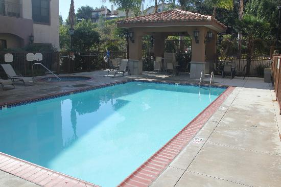 Courtyard Thousand Oaks Ventura County: Pool Side Cabana Towels and shaded seating