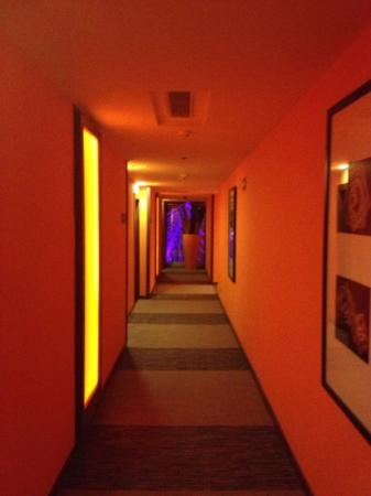 Hotel Riu Plaza Guadalajara: Orange everywhere