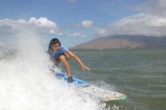 Maui Wave Riders: Surfing in Maui