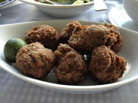 Mano's Greek Tavern: meatballs