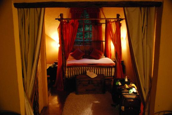 Numbela: Yellowwood Cottage main bed area