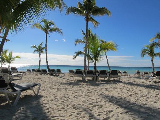 Barcelo Maya Caribe Chillin At The Beach