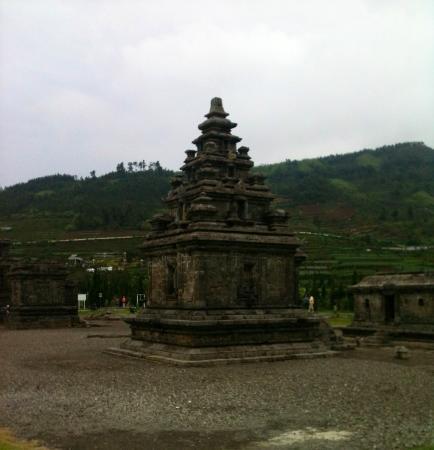 Dieng, Индонезия: Arjuna's temple