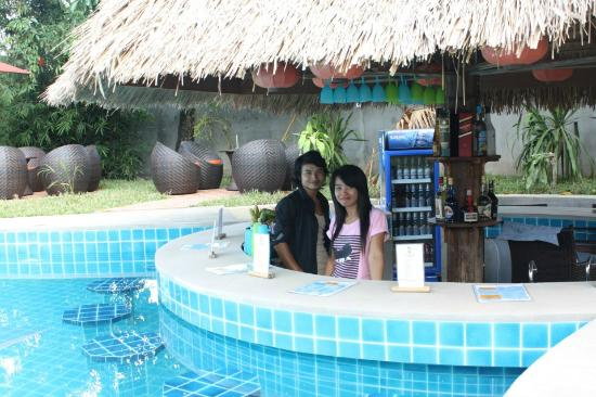Our Barman Barwoman Picture Of La Pistoche Swimming Pool Bar Luang Prabang Tripadvisor