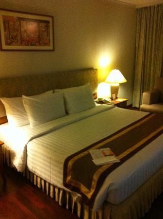 Bandara Suites Silom, Bangkok: Bed