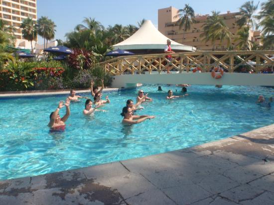 Sunscape Puerto Vallarta Resort & Spa: aquaerobics =D