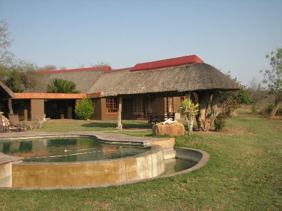Kwa Madwala Private Game Reserve: my room on the right, dining in the middle