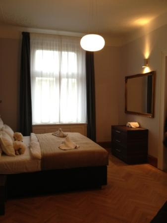 Residence Brehova - Prague City Apartments: Room