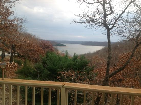 Beaver Lake Cottages : view from front door off of deck