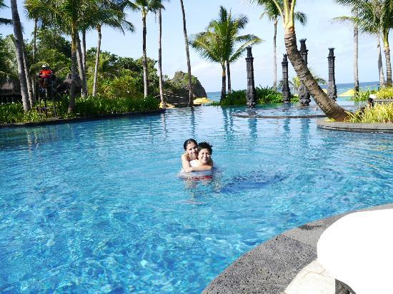 Shangri-La's Boracay Resort & Spa: Infinity pool