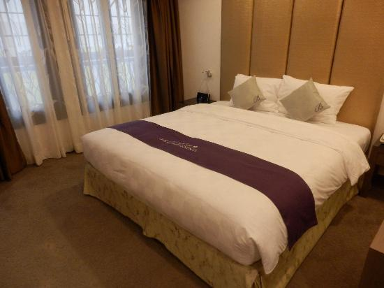 The Bauhinia Hotel - Central: Room 308