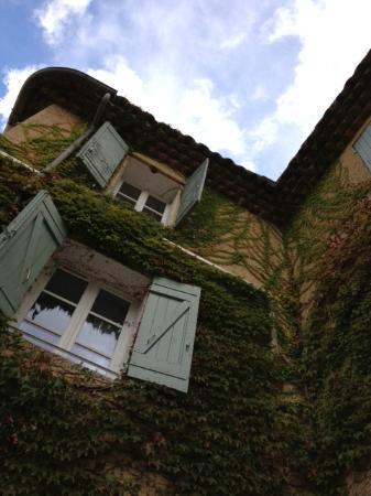 Le Clos Des Freres Gris: Estate