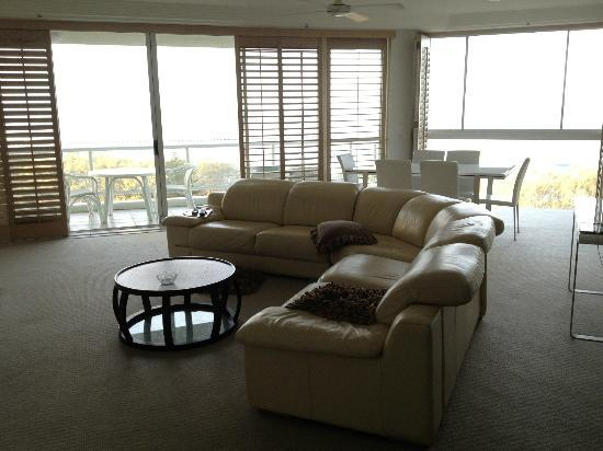 Carmel By The Sea: Living room