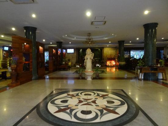 Hotel Somadevi Angkor Resort & Spa: Entrance