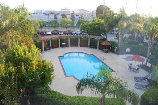Hilton Garden Inn LAX/El Segundo: Poolview