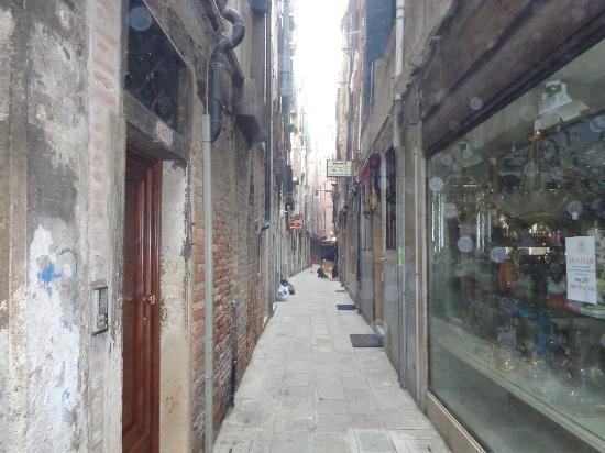 Hotel Al Gazzettino: la calle dell' hotel