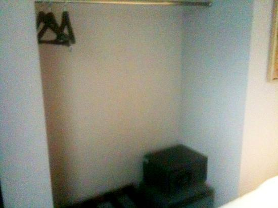 AT Boutique Hotel: Limited storage (clothes, safe, fridge)