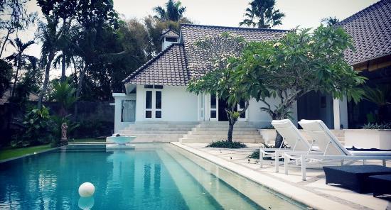 Iman Jasa Pool and villa view