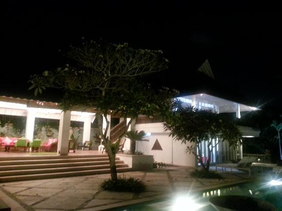 Iman Jasa at night