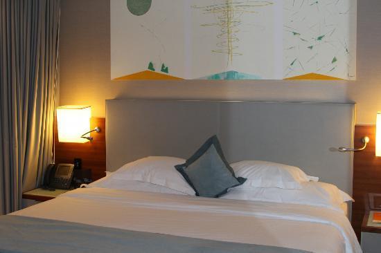 Sheraton Istanbul Atakoy Hotel: bed