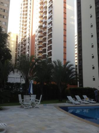 Transamerica Prime International Plaza : foto del área de la piscina