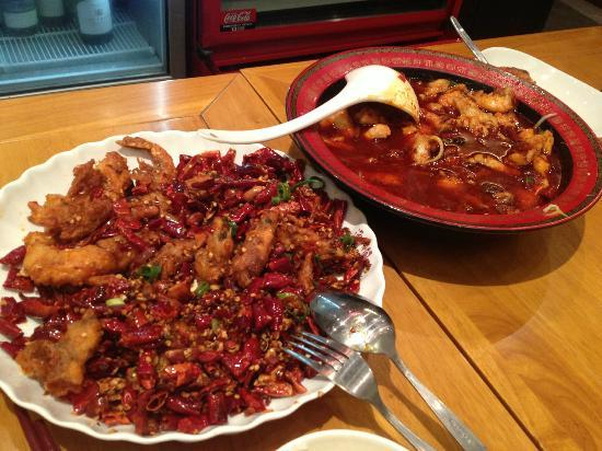 Spicy Fish Restaurant: prawn with dried chilly and spicy fish