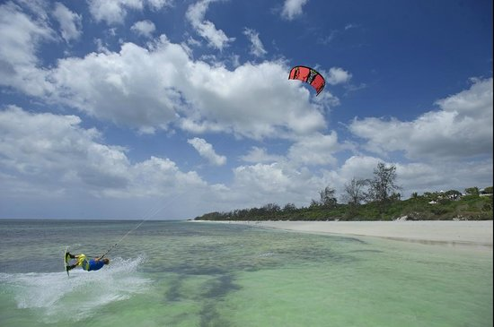 Watamu Beach: Kitesurfing with Tribe Watersports in Watamu