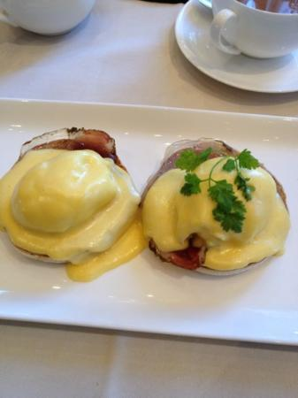 Coworth Park - Dorchester Collection: breakfast