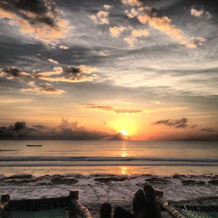 Kenyaways Beach Bed & Breakfast: sunrise over Galu, taken on my iphone. this picture doesn't do justice