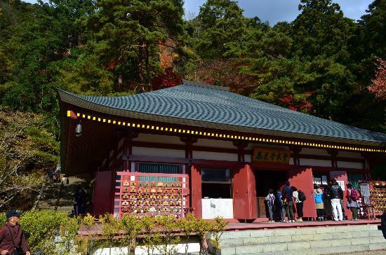 Horaiji Temple : 鳳来寺本堂