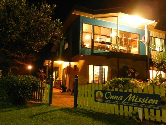 Onna Mission Beachfront Apartments: Onna Mission at night