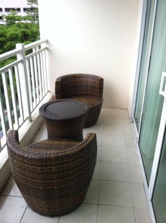 Pattaya Beach Resort: 露台