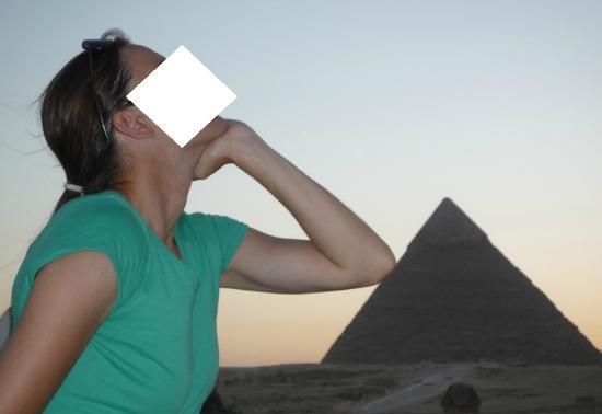 Pyramids View Inn: pose/pause avec les pyramides