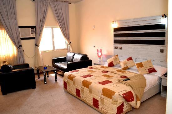 هوتل دي بنتلي: Room